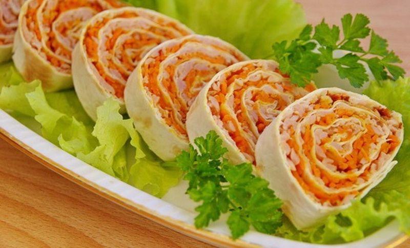 Закуска лаваш с корейской морковью