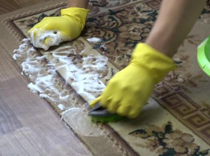 Чистка ковров и диванов  - как почистить до идеального состояния дома