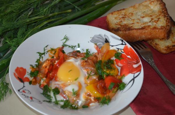 Яичница - шакшука как приготовить вкусную яичницу в овощном соусе
