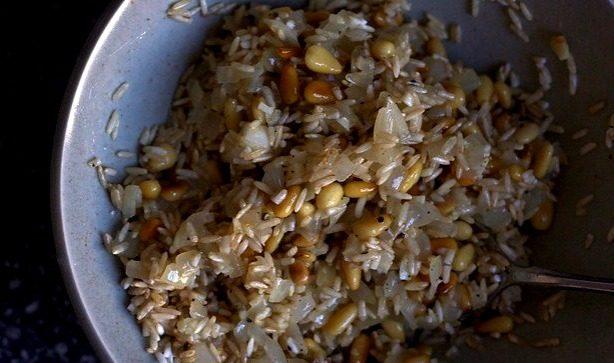 рис кедровые орехи лук чеснок